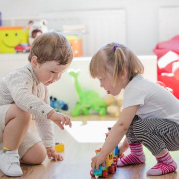 Comment fabriquer des jouets Montessori pour bébés et enfants