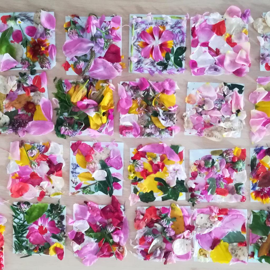 mosaique collage fleurs feuilles atelier land art enfants